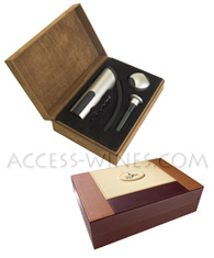 EZ PULL Penguin lever model, Professional corkscrew, Satin Aluminum aspect with a foilcutter, a second screw and a stopper with integrated vacuum pump to conserv wine, all delivered within a luxurious leather gift box
